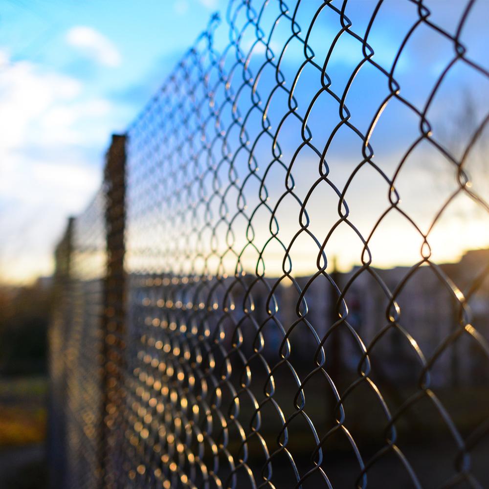 Gitter- og stålhegn til effektiv sikring